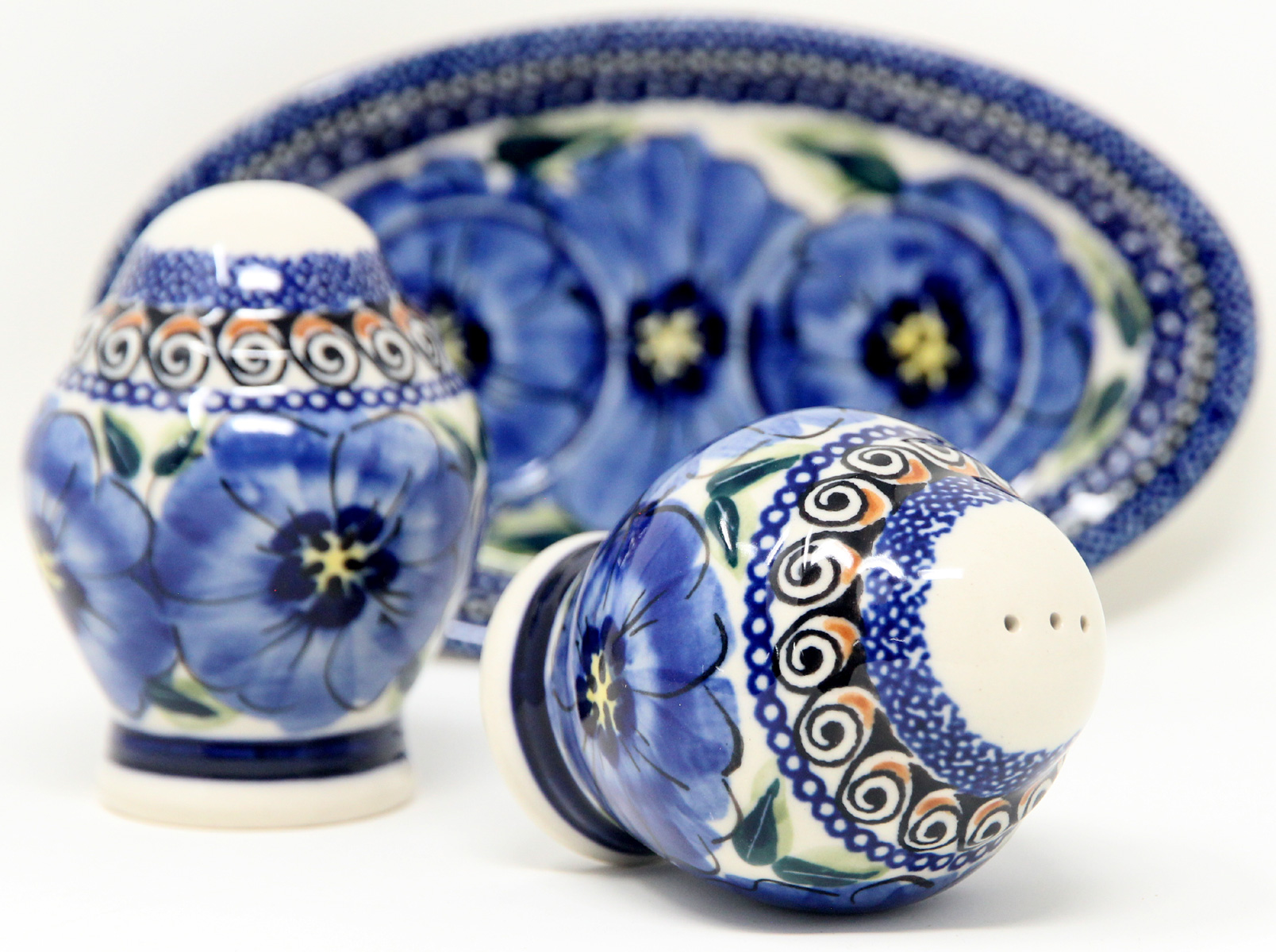 Salt and Pepper Shakers, Polish Pottery Painted by Maria Koman