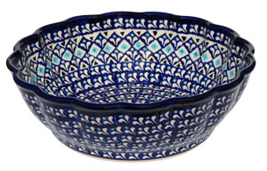 Polish Pottery Scalloped Bowl, 217a Classic Pattern