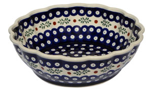 Polish Pottery Scalloped Bowl, 242 Classic Pattern