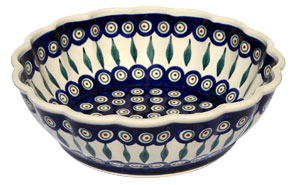 Polish Pottery Scalloped Bowl, Classic Design 56 Peacock